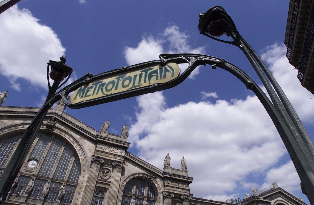 F_Paris_MetroSignARTNouveau.jpg