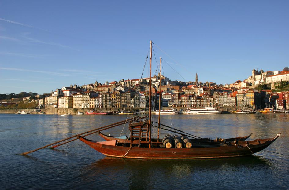 P_Oporto_wboatscenic_M.jpg