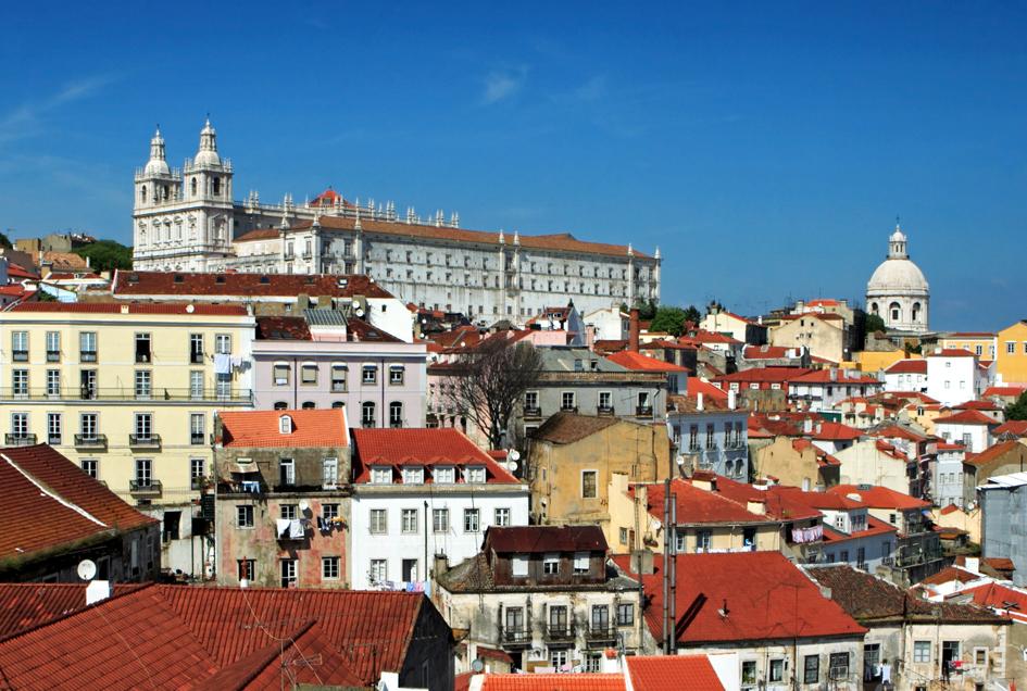 P_Lisbon_Alfama_Birdview_M.jpg