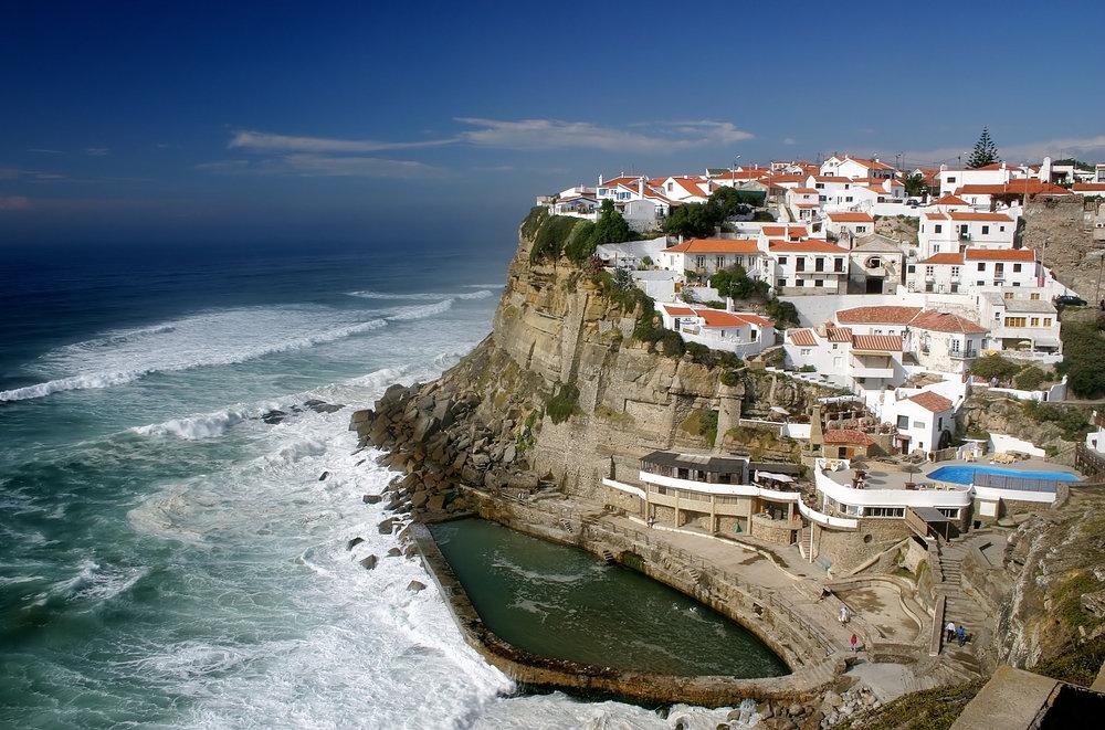 Azenhas-do-Mar, near Lisbon, Portugal.jpg