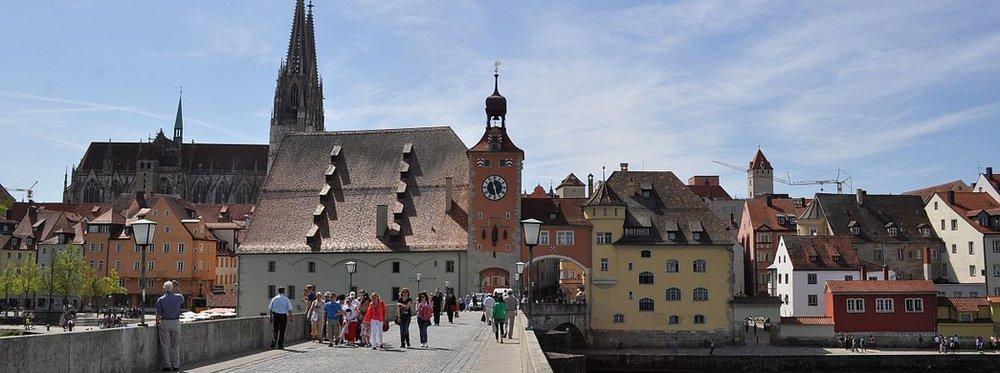 Regensburg_OldBridge.jpg