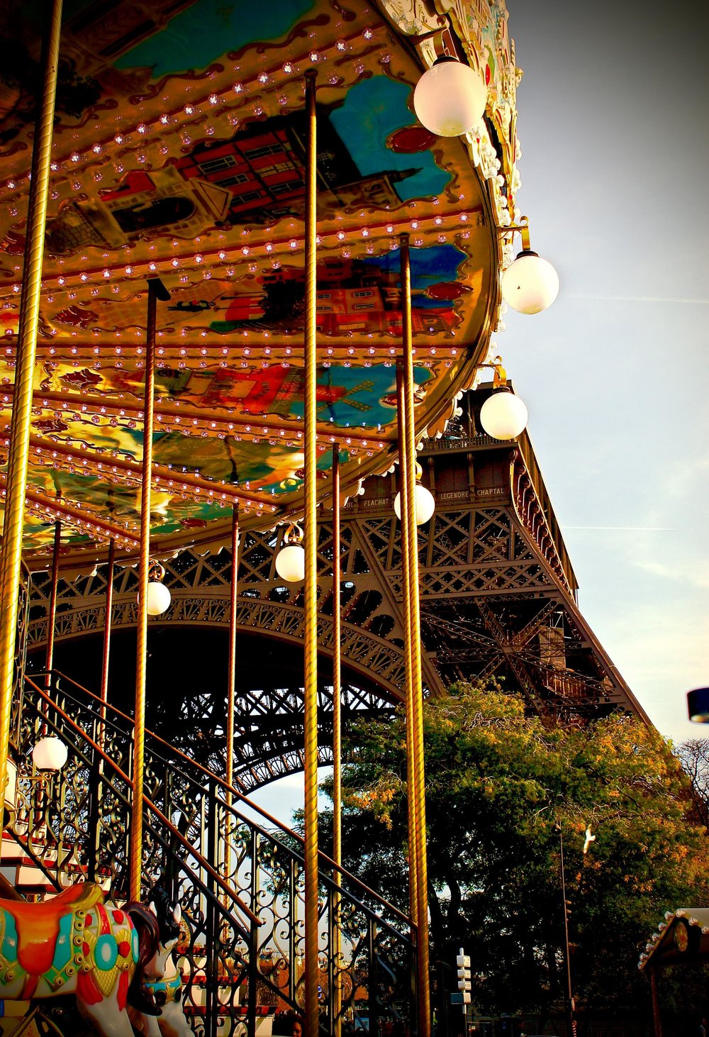 iNSIDE_FR_Paris_CarouselEiffelT_Cozort.jpg