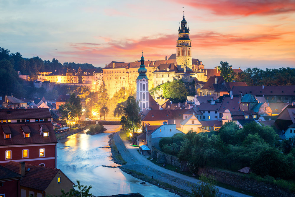 CR_CeksyKrumlov_Night_Adobe.jpeg
