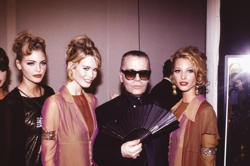 Karl_Lagerfeld_Shopping_Fan_Fashion_Show.jpg