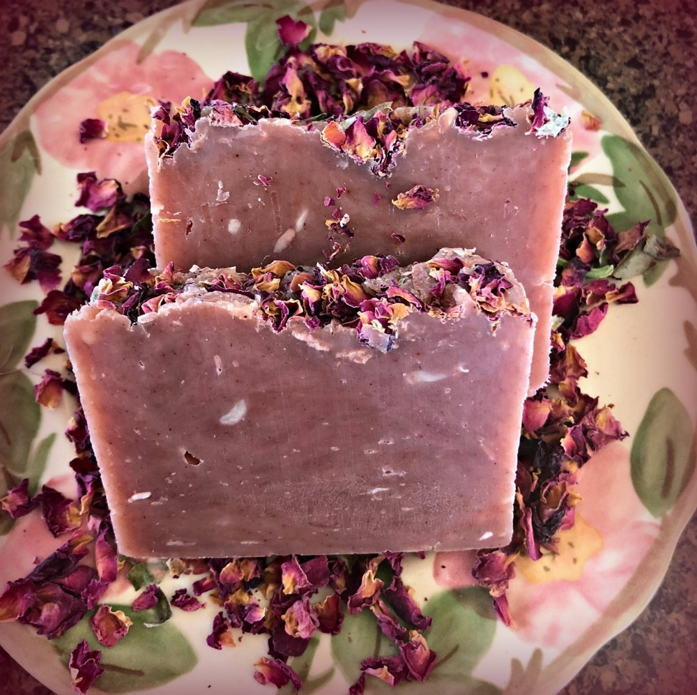 This Rose Petal Soap is pretty, natural, and best of all: handmade!