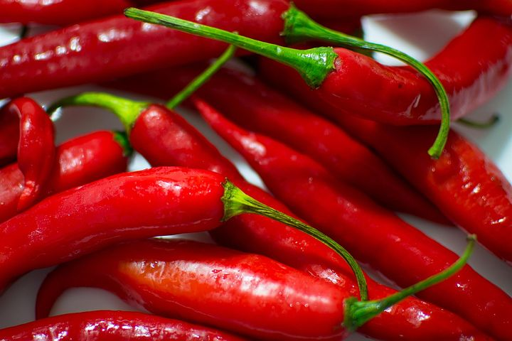 Cayenne peppers contain capsaicin, an excellent pain soothing constituent.