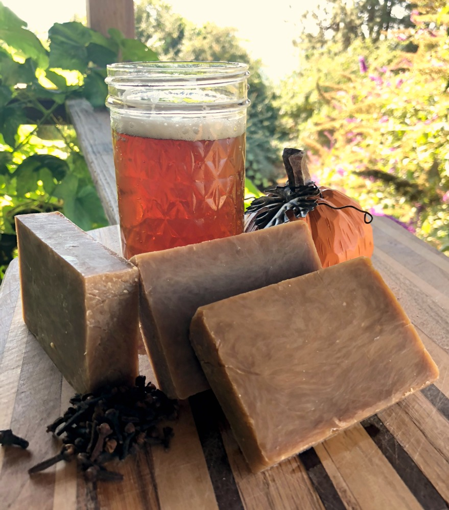 Perfect for an early Fall day! This handmade soap recipe is just divine, and you'll love it!
