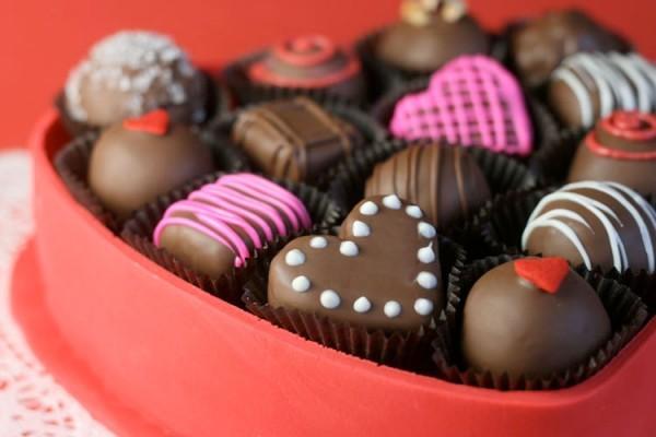 chocolate-box-cake-03-600x400