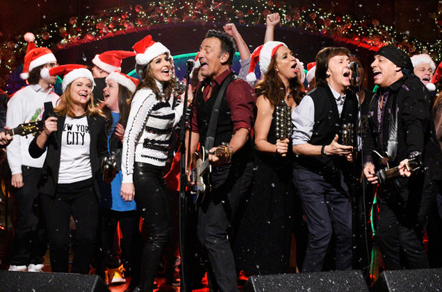 snl-bruce-springsteen-tina-fey-amy-poehler-paul-mccartney-dec-2015-billboard-650