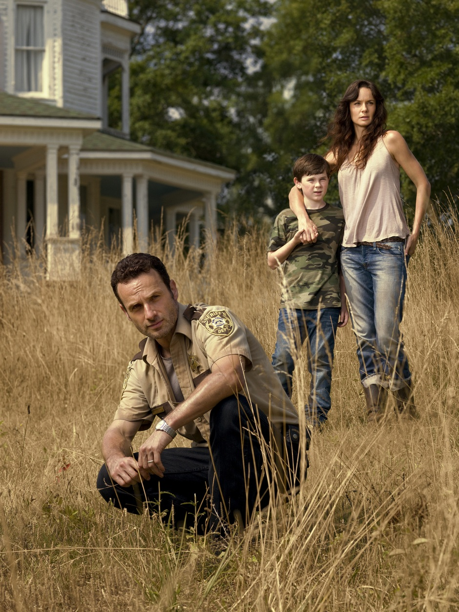 Andrew-Lincoln-Chandler-Riggs-and-Sarah-Wayne-Callies-in-The-Walking-Dead-Season-2-Image.jpg