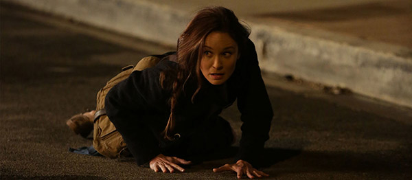 Colony-season2-Sarah-Wayne-Callies-fall-600x262.jpg
