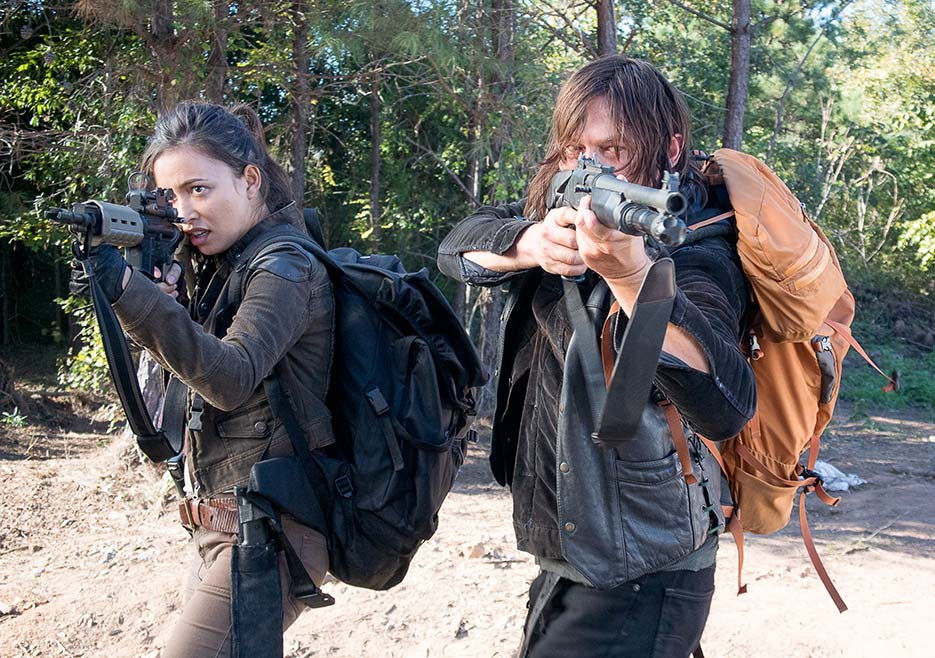 the-walking-dead-episode-614-daryl-reedus-2-935.jpg