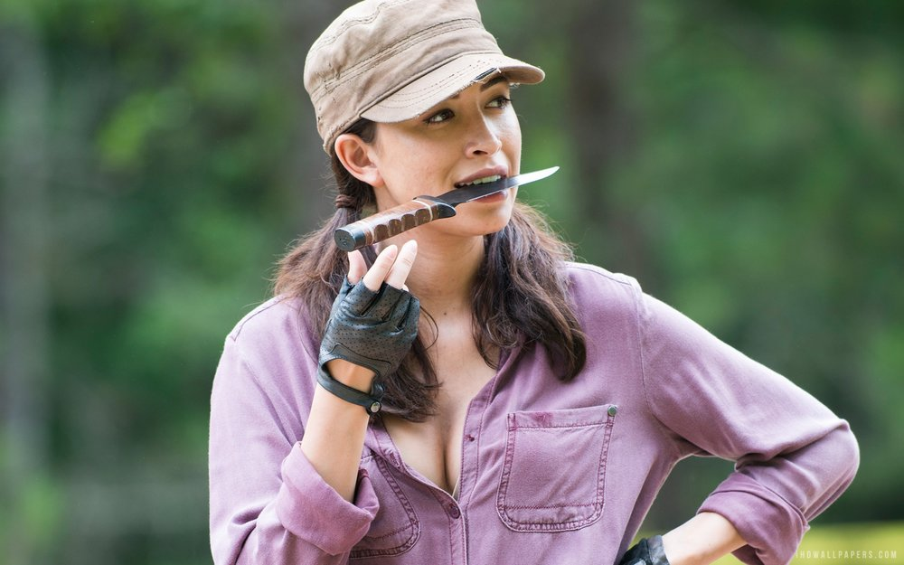 christian-serratos-Walking-Dead-1.jpg