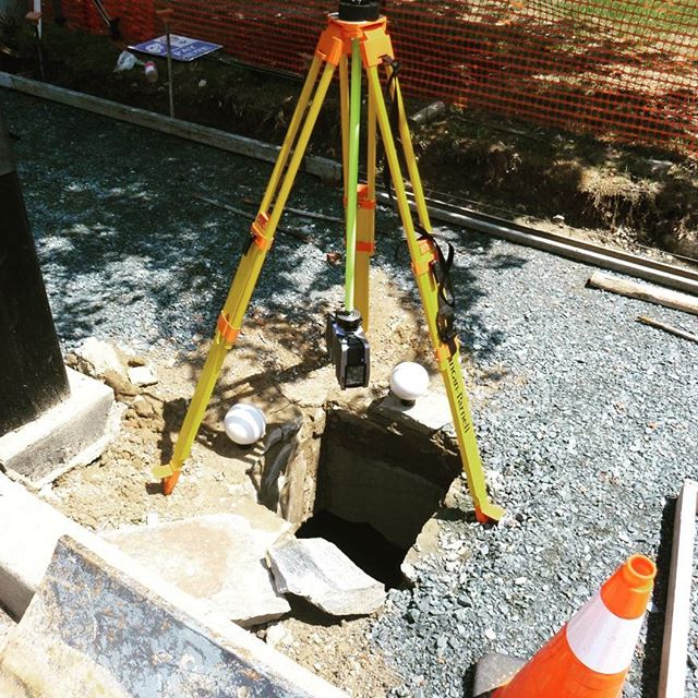 What a cool experience to help uncover an underground vault. By inverting our scanner, we were able to provide a detailed look at an underground vault beneath a sidewalk without putting any individuals at risk. #laserscanning  #faro #infrastructure #construction #survey