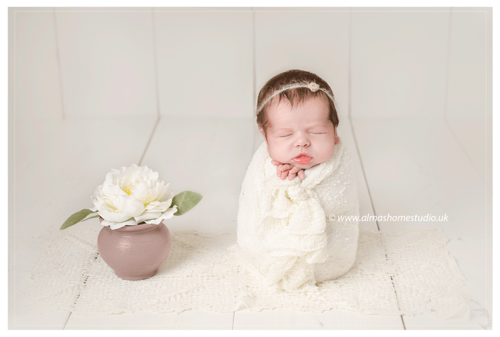 Newborn photographer based in blandford forum dorset