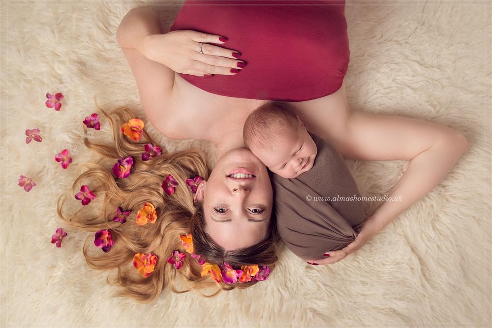 Alma's Home studio - professional newborn photographer based in Blandford Forum Dorset