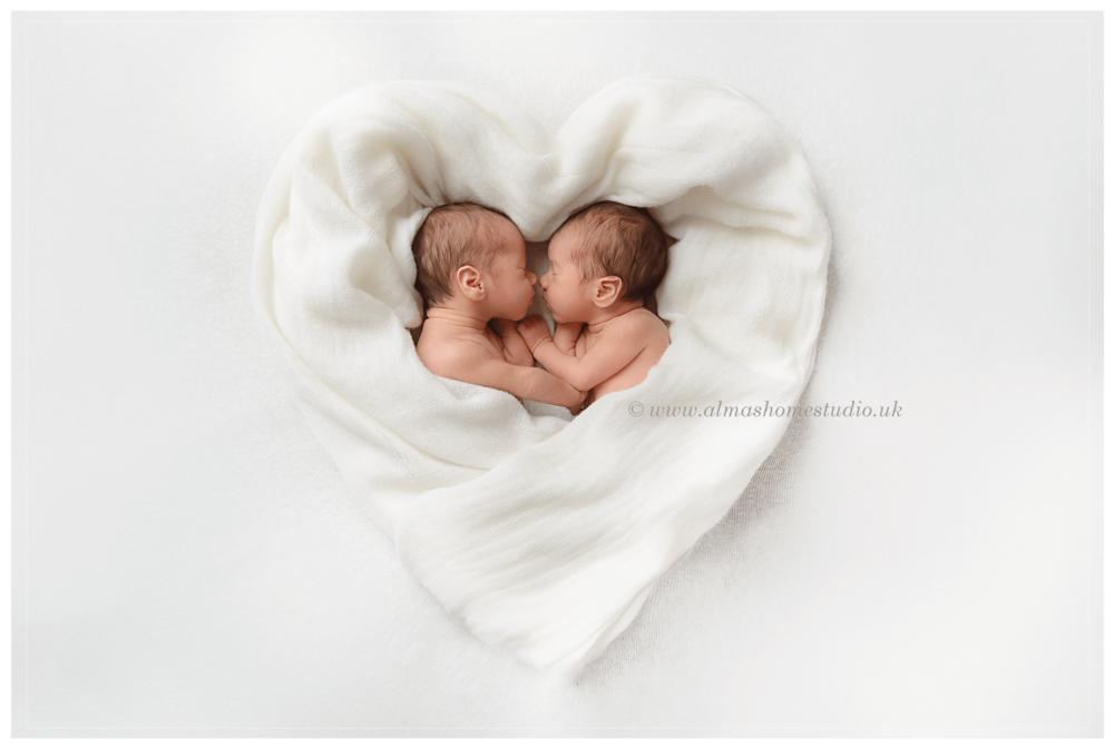 Alma's Home Studio - Specialist Newborn photographer in Dorset