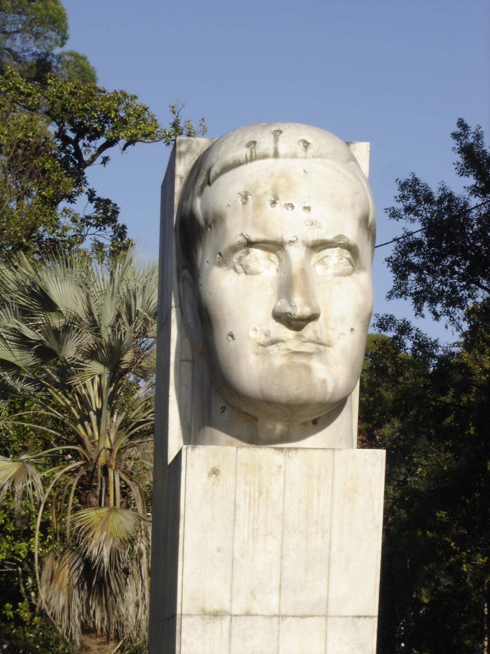 Statue_Abkhazia.JPG