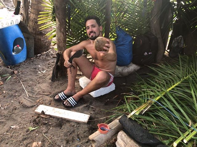 Would you give up your last coconut? Gabo sharing the love whilst completing isolation with his sister.  #3dayslater #isolation #sharingthelove #coconut #palmtreeshelter #survivaltribe #desertislandsurvival