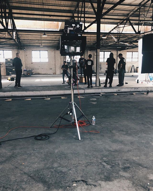 Behind the scenes at your basic abandoned warehouse shoot. PC📷: @allysonhickey  #bts #shoot #badgerandwinters #behindthescenes #adlife #adagency
