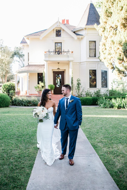 Park Winters Summer Wedding | Bride and Groom Photo | Victorian Inn Wedding