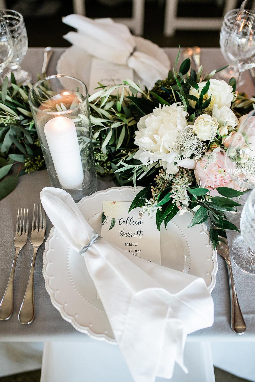 Park Winters Summer Wedding | Indoor Reception | Barn Wedding | Neutral Wedding | Wedding Tablesetting