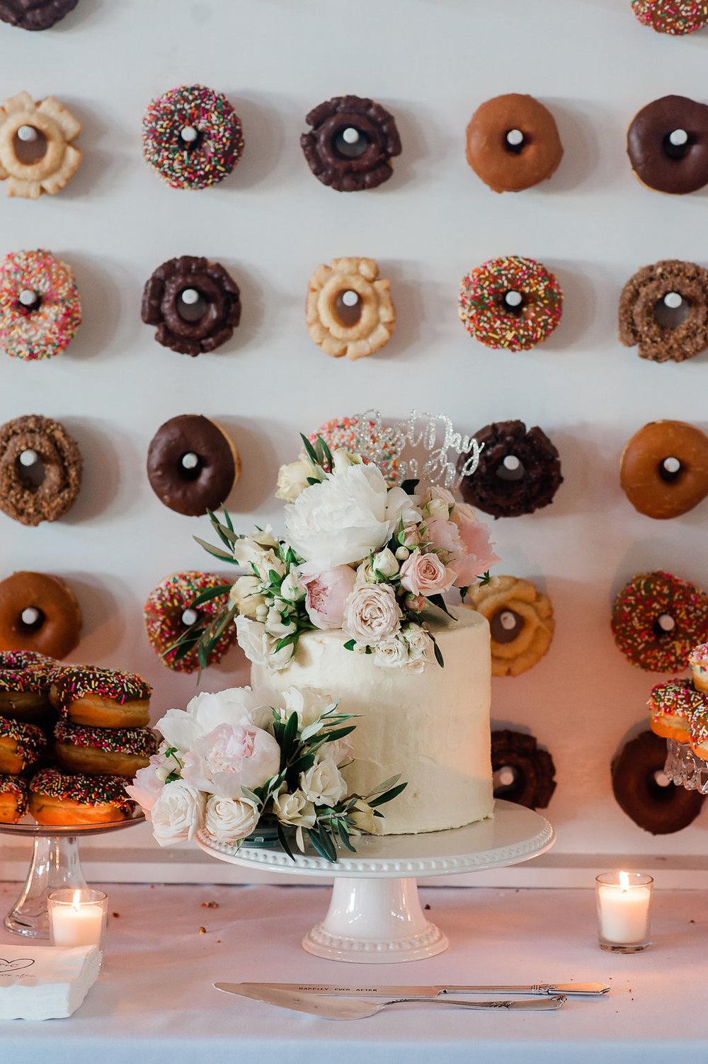 Park Winters Summer Wedding | Wedding Dessert | Wedding Donuts | Donut Wall | Unique Wedding Dessert Ideas | Two-tier wedding cake | Fresh flower wedding cake