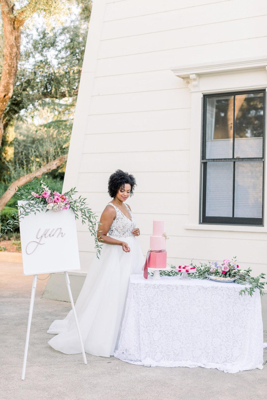 Pink Wedding | Feminine Wedding | Spring Wedding | Pink Wedding Flowers | Wedding Dessert Table | Wedding Cake | Pink Wedding Cake