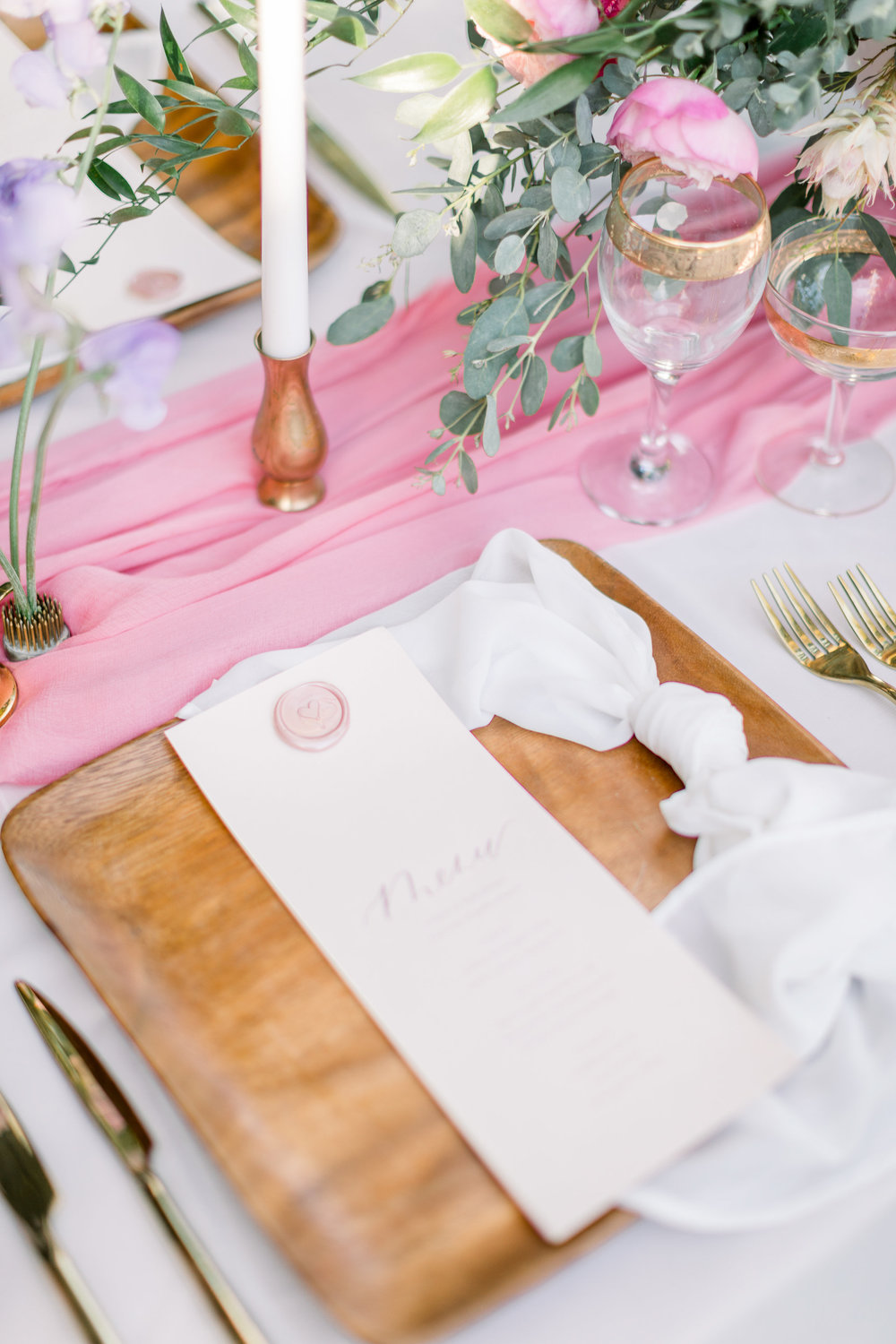 Pink Wedding | Feminine Wedding | Spring Wedding | Wedding Table Decor | Wedding Tablescape | Pink Wedding Flowers