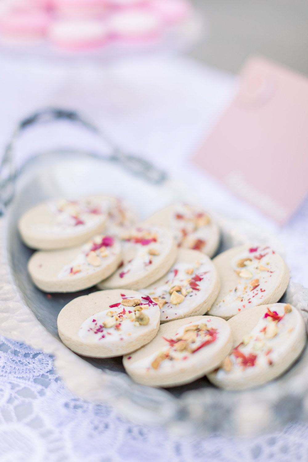 Pink Wedding | Feminine Wedding | Spring Wedding | Pink Wedding Flowers | Wedding Cookies | Wedding Desserts