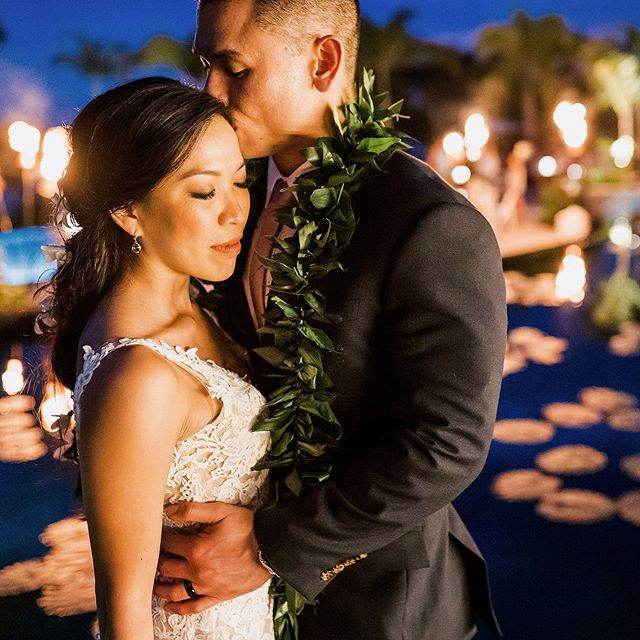 Maybe there is no way to truly define love. @westinhapuna @fletchphotography . . . . . . #strictlyweddings #pacificweddings #100layercake #hawaiidestinationwedding #hawaiiphotographer #hawaiidestinationwedding #definelove #thebelovedstories #hawaiiwedding #hawaiilife #hawaiilove #destinationwedding #theknot #radcouples
