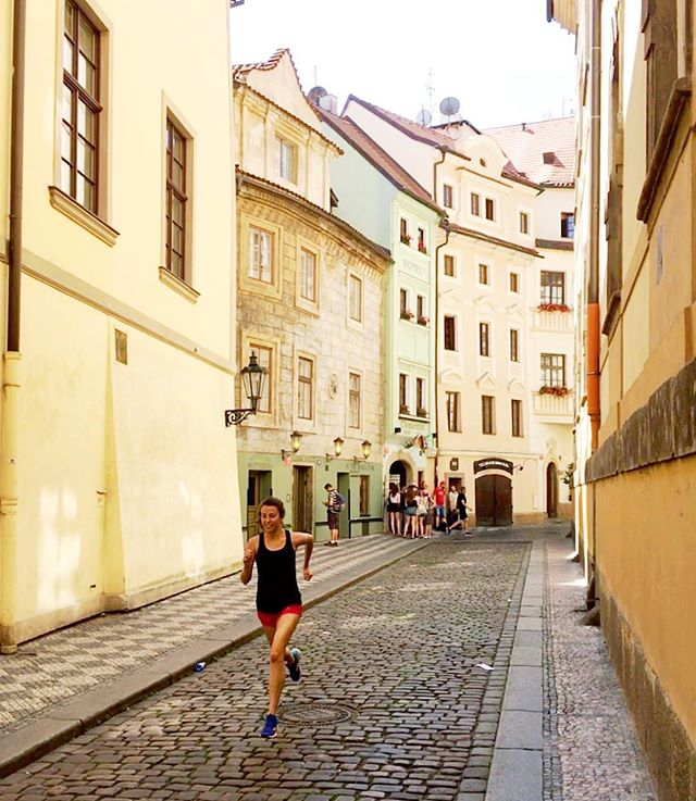 #FBF to running and roaming the streets of Prague, exactly one year ago today ✨. #radrun #prague