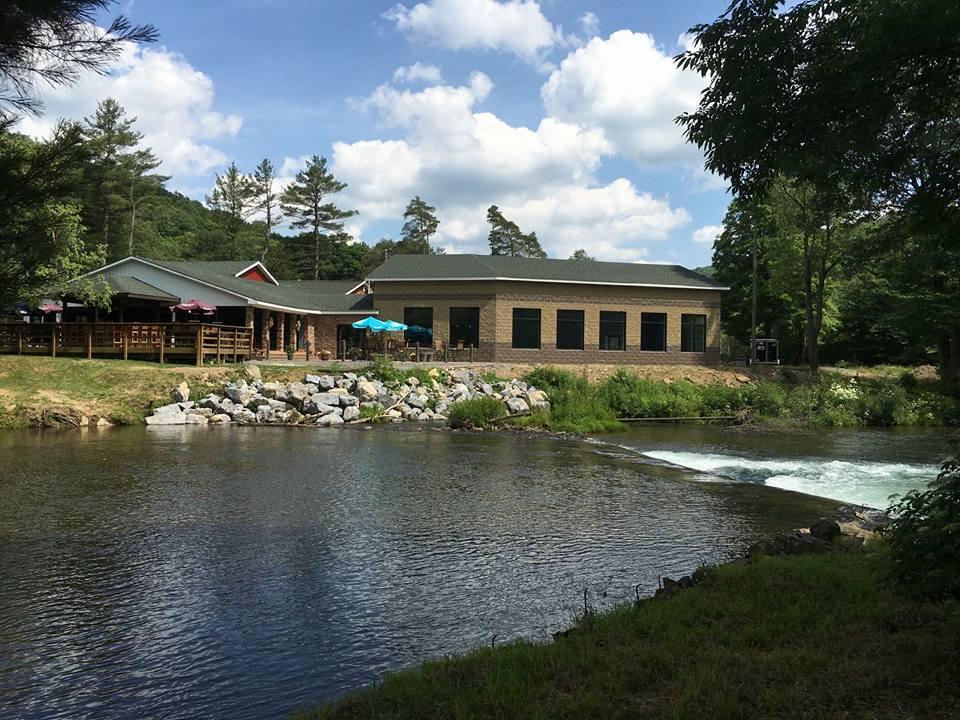 Dam Inn camp.jpg