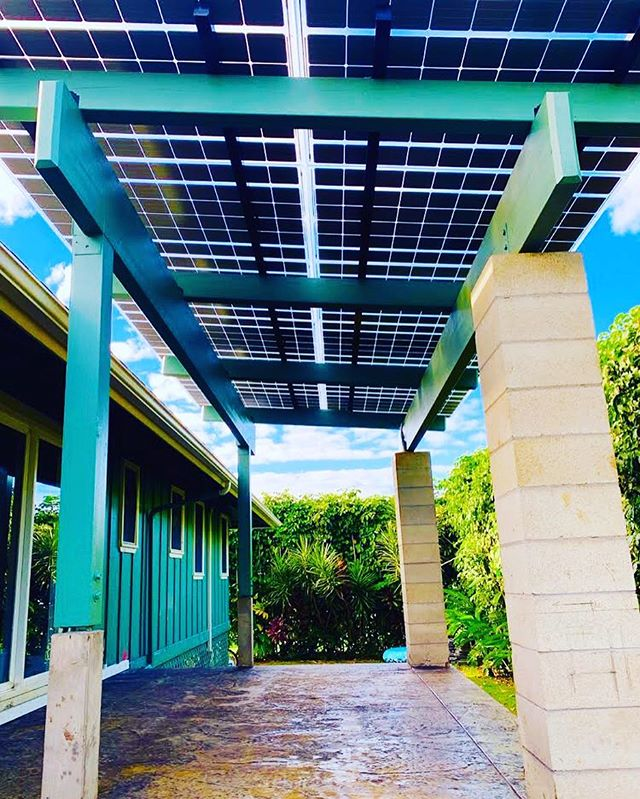 Add value to your home with a #solar covered patio.☀️ . Follow @solarpluskauai for the latest info on renewable energy options on Kauai. . We have over 16 years of experience on the islands. 🌴 Visit our website for more info, link in bio. . #kauai #renewableenergy #lumossolar