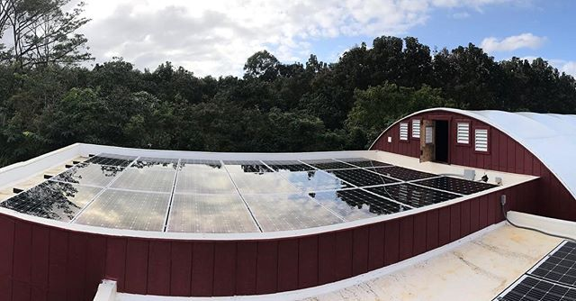 New off the grid solar system 👌🏼 You are ready for anything when you make your own power! 🌿🌱🌍☀️ #offgridsolar #kauai #gogreen