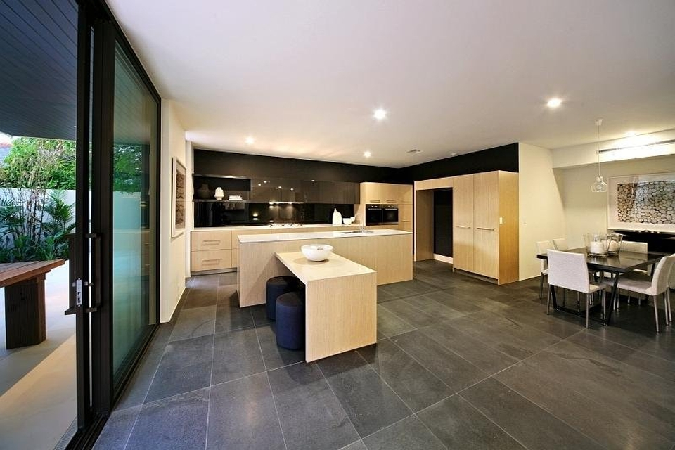 Bluestone_Honed_Floor_005.jpg