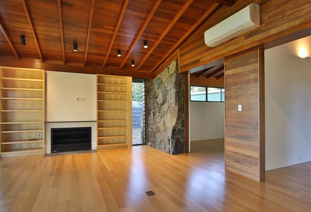 Newrybar timber and stone cabin