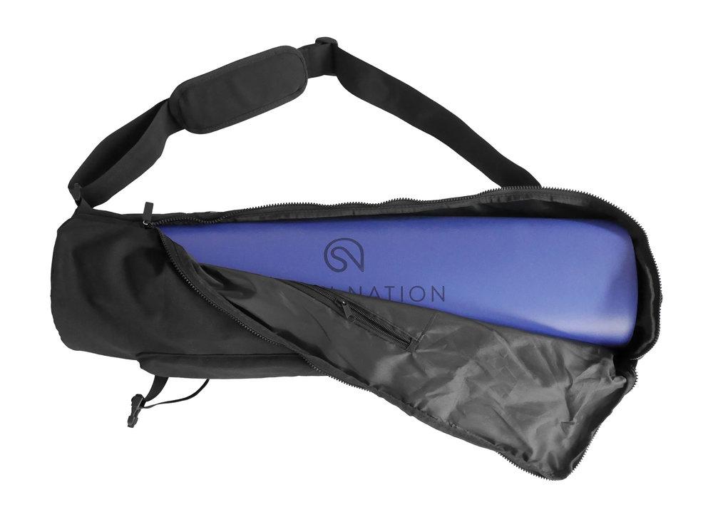 Die Mat Bag für die Shanti Mat Pro XL verfügt über ein besonders bequemes Schulterpolster.