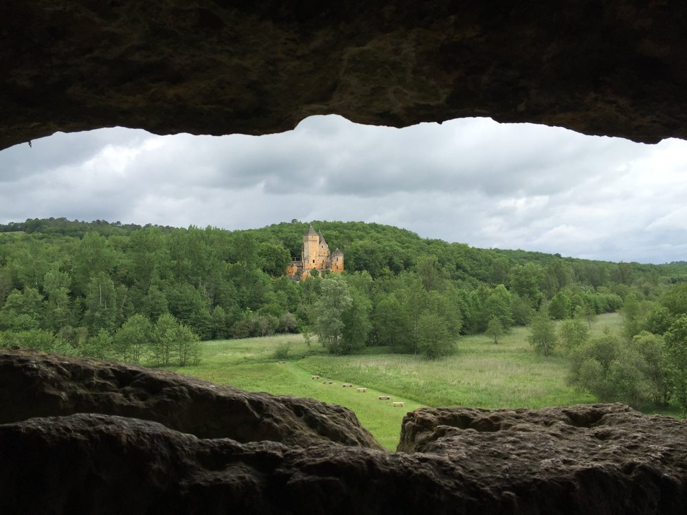 A Castle and cave nestled in the Perigord region