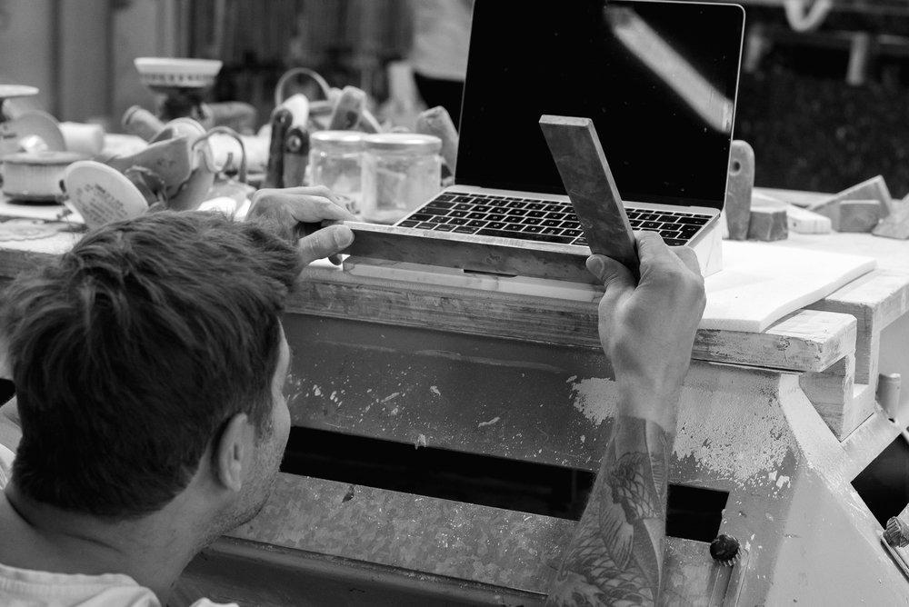 de Dolomieu BLOCK Marble Laptop Stand DSC-9896.jpg