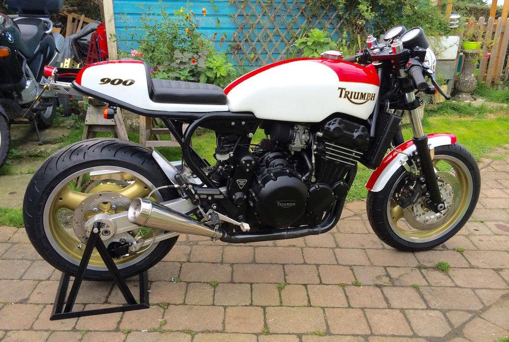 Red-White-Triumph-900-1.jpg
