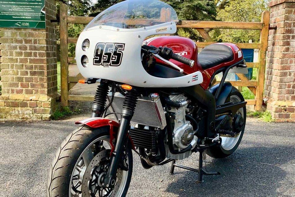 Triumph-955-Cafe-Racer-Kit-Red-Front.jpg