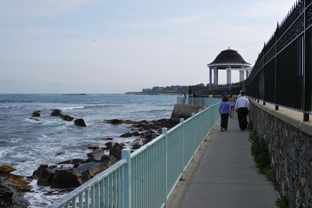 Walk the Newport Cliff Walk