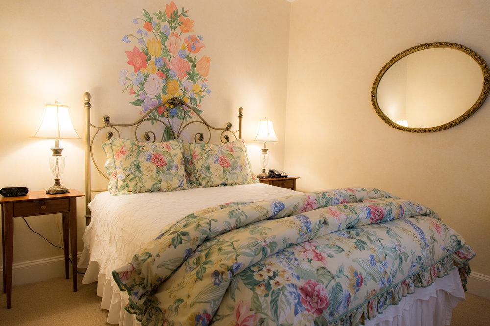 Room 2 Queen