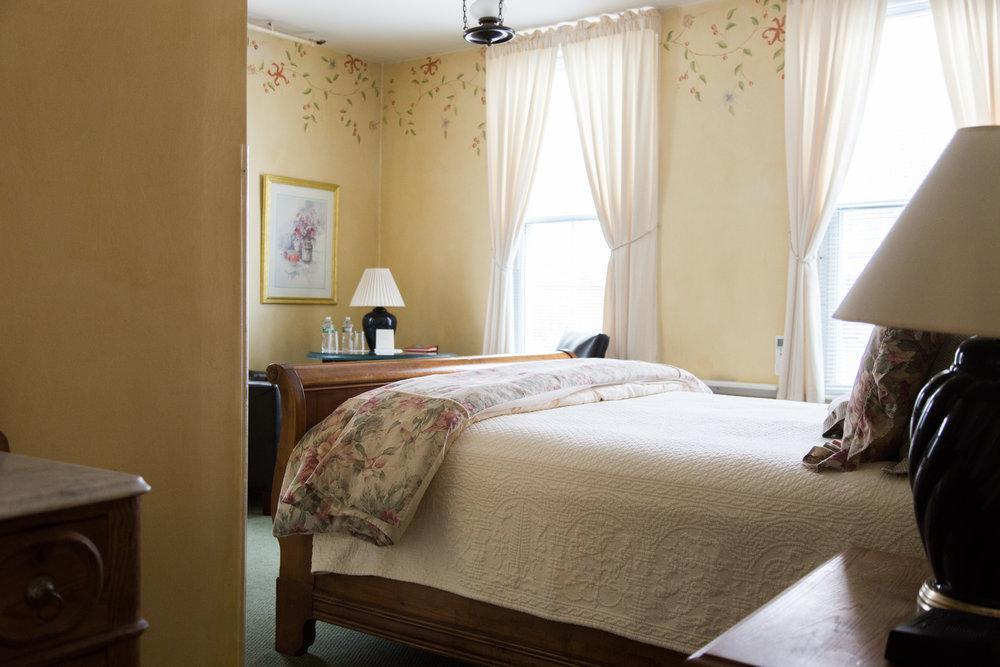 Room 4 Queen