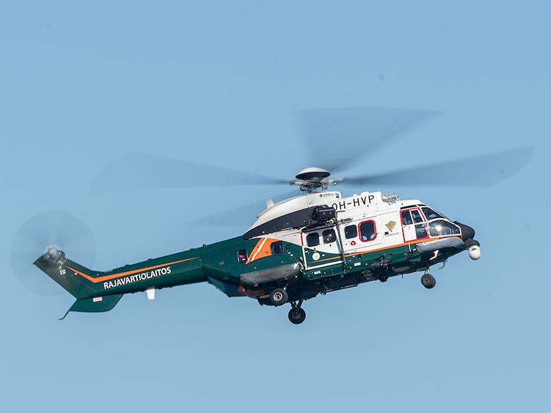Rajavartiolaitoksen Super Puma - kuvattu 320mm, F/18, 1/40s, ISO100