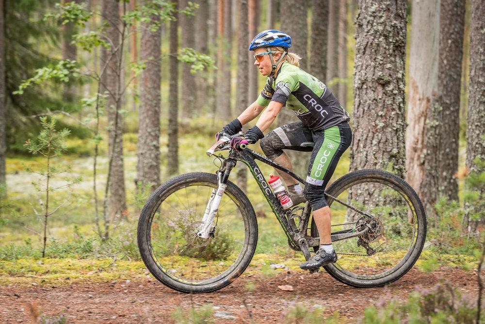 Naisten sarjan voittaja Sini Alusniemi oli odotetun kova ja myös tuli kuvauspaikkaan oikeasta suunnasta - tosin yllätyksekseni koska mopoa odottelin.