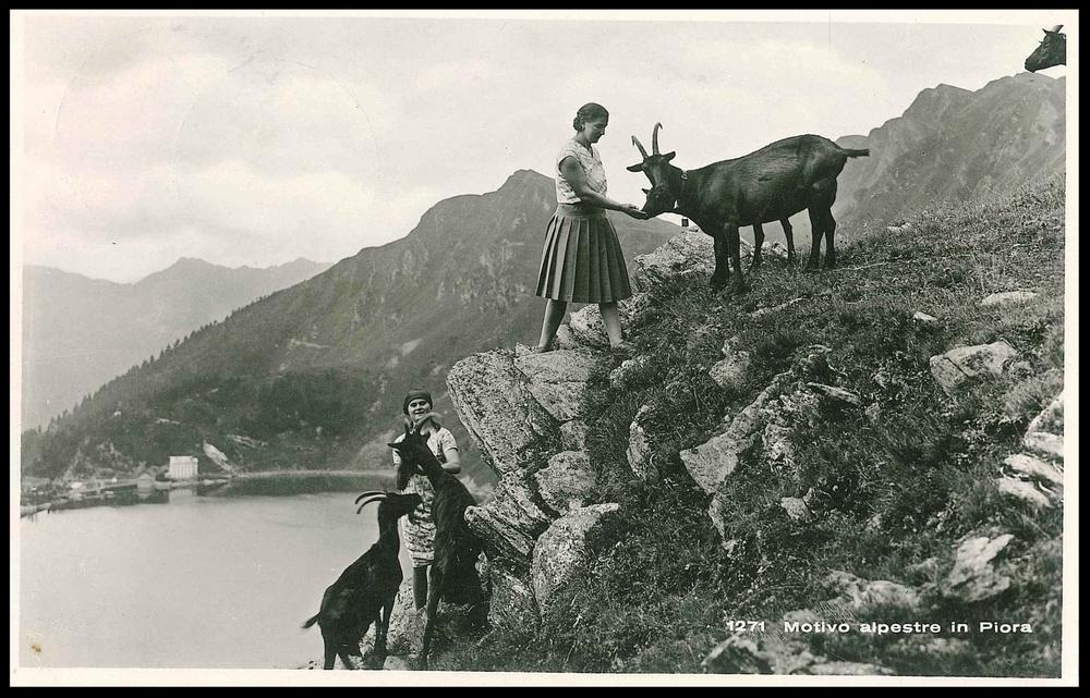 Frauen mit Ziegen Ticino 1943.jpg