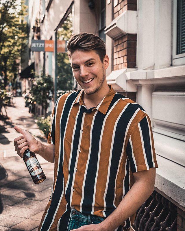 *Werbung Cheers 🍻 @bitburger, what else?! 🎉😂 Das haben wir uns jetzt verdient. Lasset das Wochenende beginnen. #bitburger  Für uns geht es morgen nach Roermond 👯♀️ Wem soll ich was mitbringen? Vielleicht ein Bit? #bitteeinbit