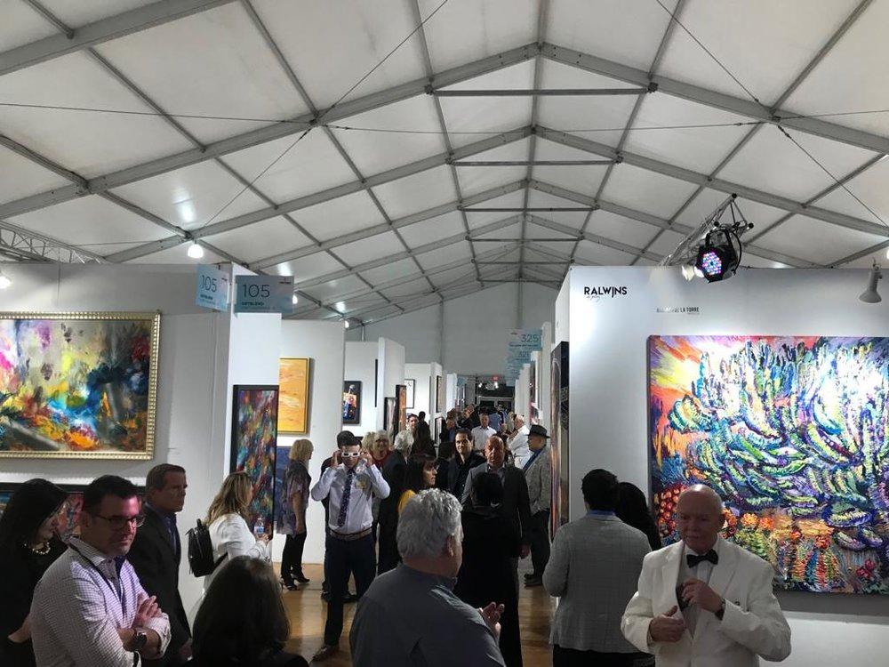 Opening Show Spectrum - Spectrum Miami, una muestra de arte contemporáneo en el corazón del distrito de arte y entretenimiento de Miami. Es donde lo contemporáneo se encuentra con lo extraordinario.